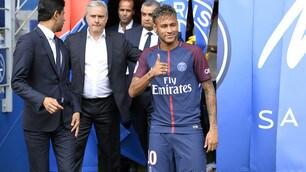 Neymar: «Non sono al Psg per i soldi». Ecco quanto guadagnerà