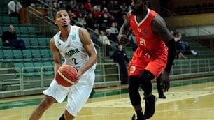 Basket Cantù, ecco Smith: