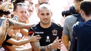 Sneijder, delirio dei tifosi per il primo allenamento con il Nizza