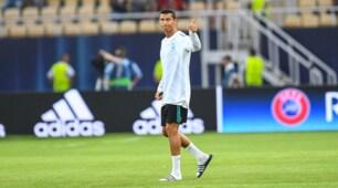 Real Madrid, Cristiano Ronaldo gioca la Supercoppa in ciabatte