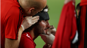 Supercoppa Europea, nuova pettinatura per Fellaini dopo la testata a Sergio Ramos