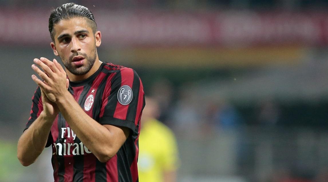 Ricardo Rodriguez è un terzino svizzero del 1992, comprato dal Milan questa estate. Sa fare anche il centrale e potrebbe alternarsi con Calhanoglu per i calci di punizione.