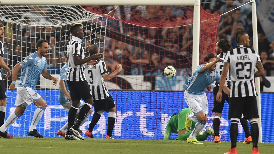 L'unico gol di Stefan Radu contro i bianconeri è stato nella finale di Coppa Italia del 2015, terminata 2-1 per la Juventus.