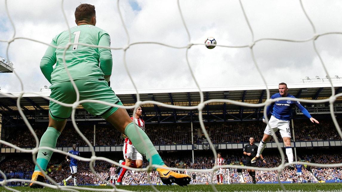 <p>L&#39;esultanza dell&#39;attaccante dopo aver messo a segno la sua prima rete con la maglia della sua squadra del cuore, nella quale &egrave; tornato dopo i trionfi con lo United</p>