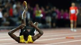 L'ìnfortunio di Bolt durante la finale della staffetta 4x100