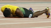 Bolt si fa male nella finale della 4x100. Era la sua ultima gara:«Non volevo finisse così»