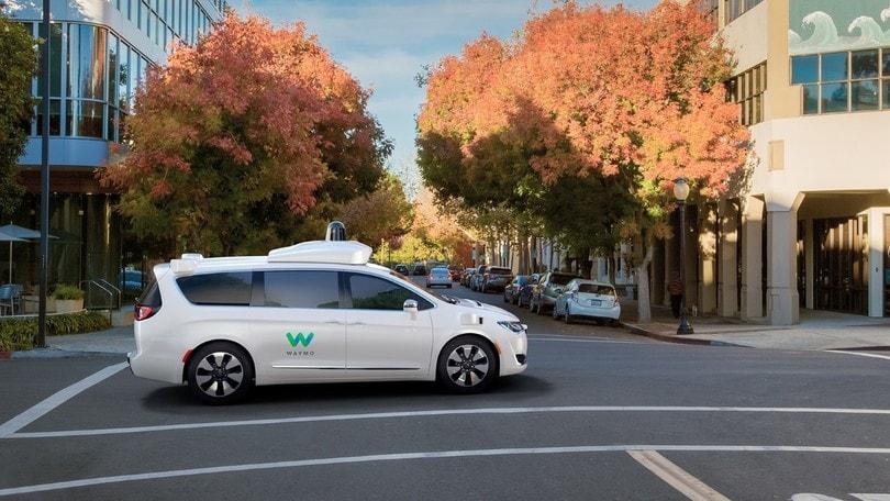 FCA collaborerà con BMW, Intel e Mobileye per la guida autonoma