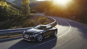 Lexus LC 500: foto e prezzi
