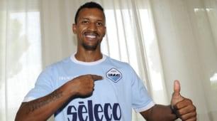Lazio, ecco Nani: in posa con la nuova maglia