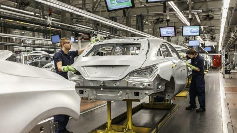 Mercato auto, boom ad agosto: +15,8 grazie a noleggi e società