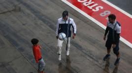 F1, Monza si ferma per la pioggia e Massa palleggia