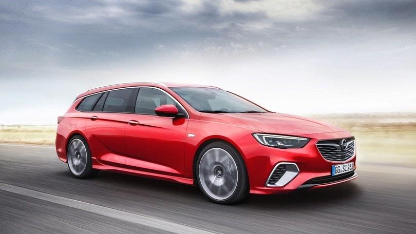 Opel Insignia GSi Sports Tourer: performance per famiglie
