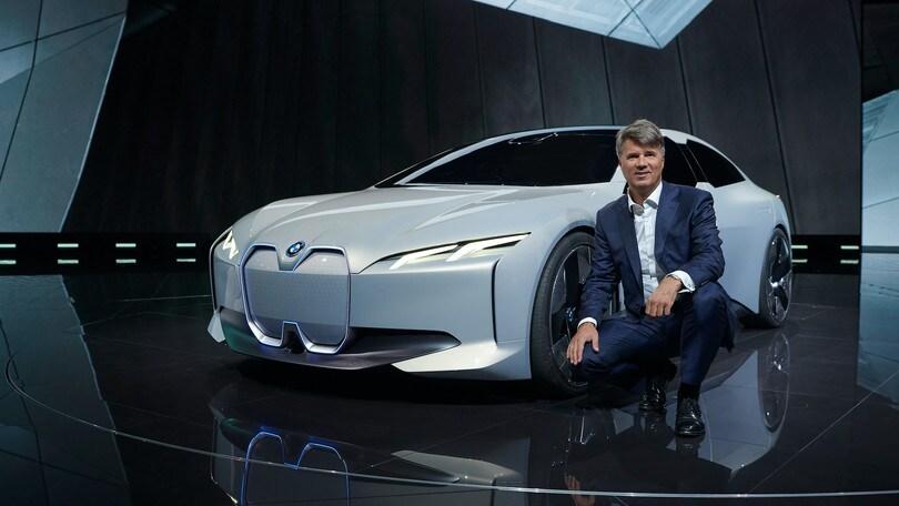 Bmw, visioni di gran coupé elettrica al Salone di Francoforte