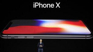 Apple, ecco l'iPhone X: svelato lo smartphone del decennale