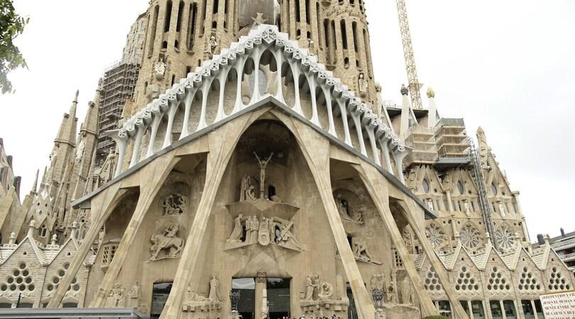 Barcellona, evacuata la Sagrada Familia ma è un falso allarme