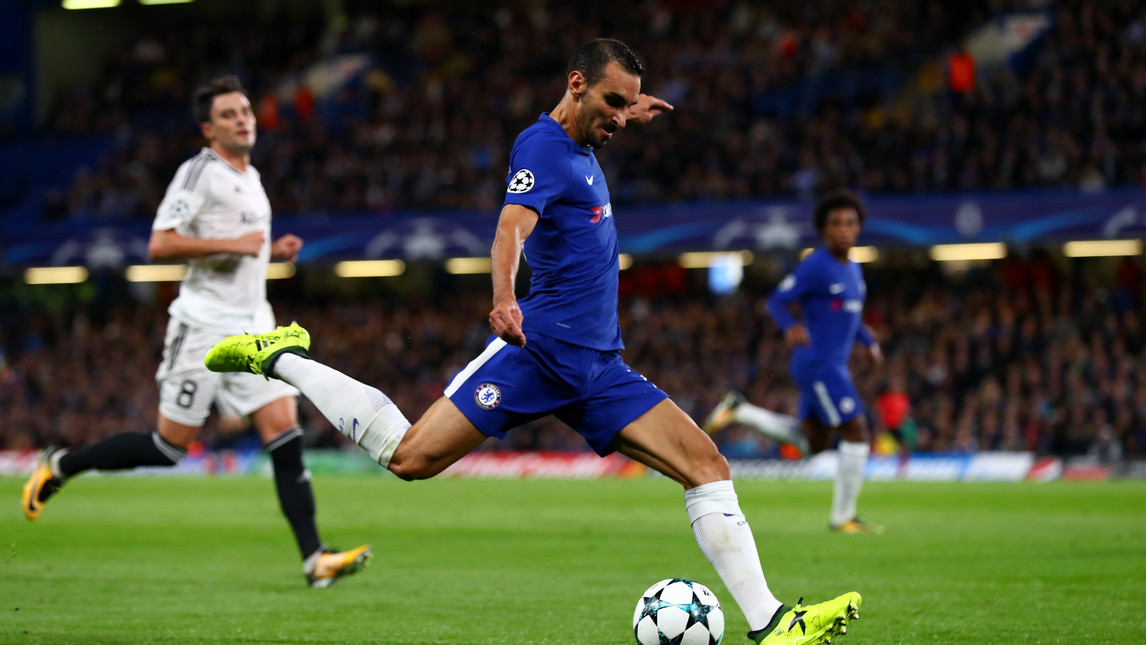 <p>Il terzino ex granata protagonista alla sua prima in Europa con il Chelsea&nbsp;contro il Qarabag. E i social lo festeggiano con meme e ironie</p>
