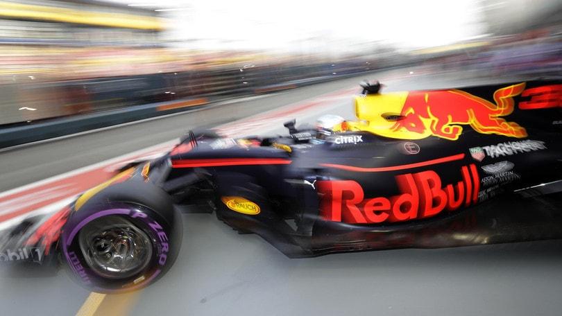 F1, Gp Singapore: Ricciardo-Vettel nelle libere