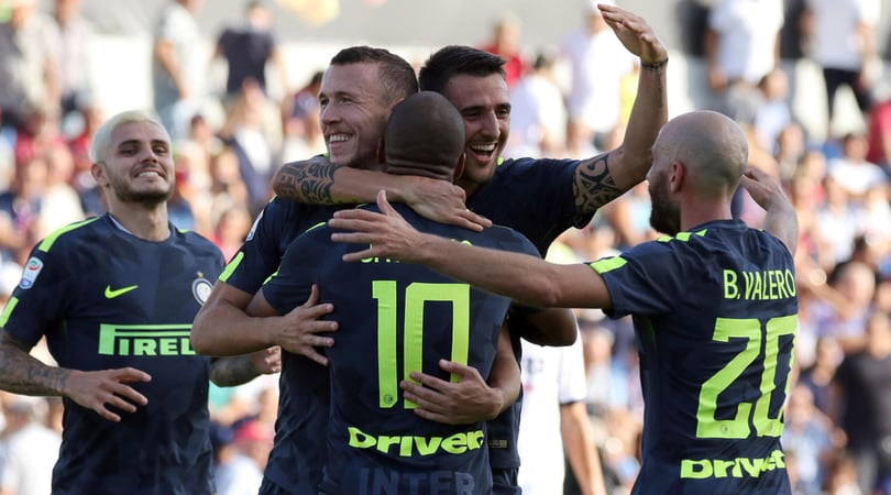 Crotone-Inter 0-2, Handa salva, Skriniar e Perisic segnano: Spalletti solo in vetta