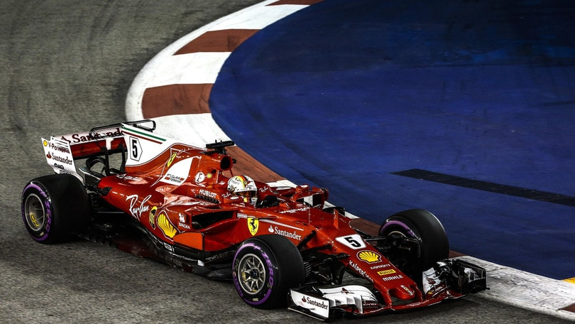F1 Singapore, pole Ferrari per Vettel: vittoria a 1,55