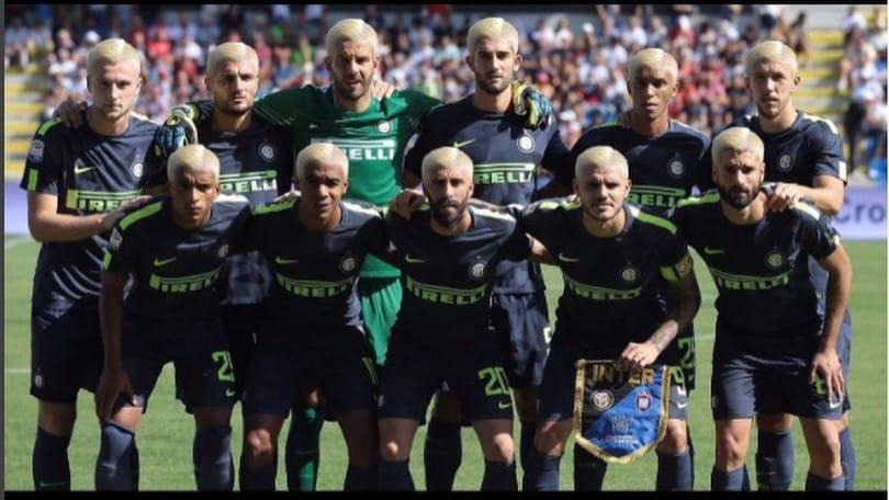L'Inter si fa bionda come Icardi: nuovo tormentone social