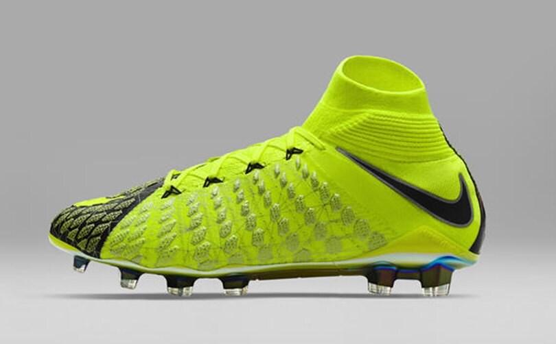 Nike e Fifa 18, ecco gli scarpini speciali. Nella realtà saranno ai piedi di Cavani e Icardi