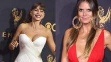 Sofia Vergara e Heidi Klum, sfida di scollature agli Emmy Awards