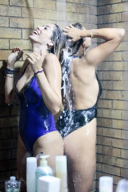 Aida yespica doccia grande fratello - 3 1
