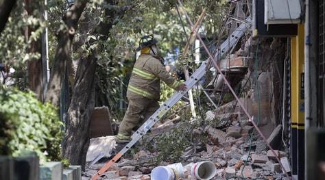 Terremoto in Messico, i morti salgono a 217: nessun danno grave all'Azteca