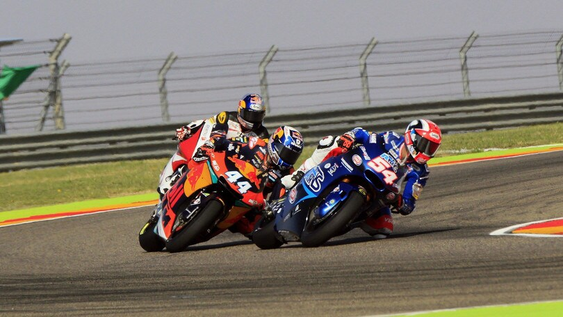 Moto2 Aragon, Oliveira soffia la pole a Pasini