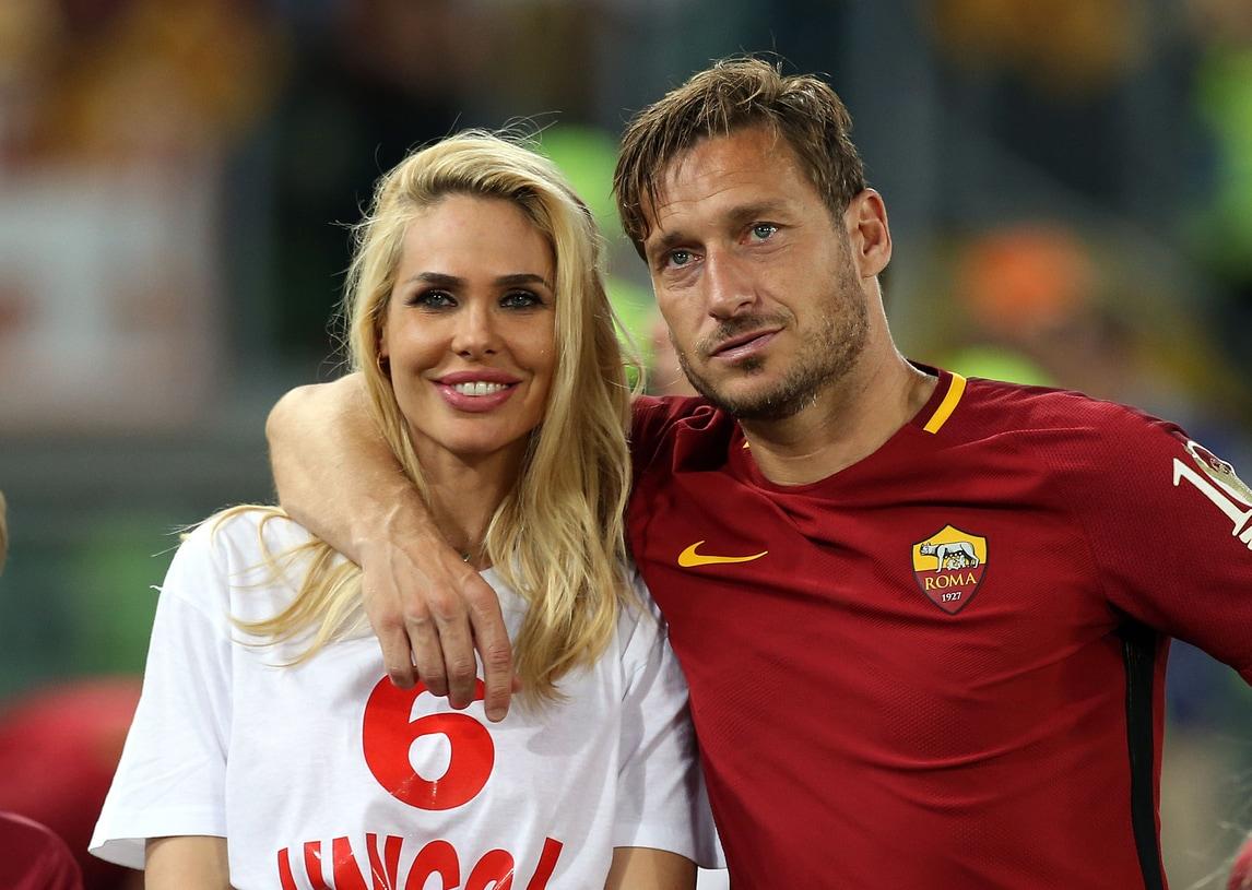 Roma, a quattro mesi dall'addio al calcio Totti torna in