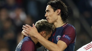 Cavani-Neymar, ecco l'abbraccio dopo i gol al Bayern Monaco