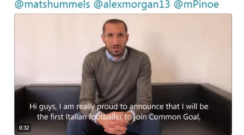 Juventus, Chiellini unico dei 500 giocatori di A a sposare Common Goal