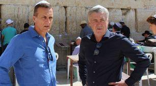 Ancelotti allenatore per un giorno a Gerusalemme: ecco le foto