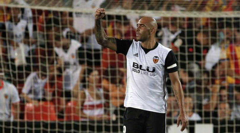 Zaza esulta con la maglia del Valencia