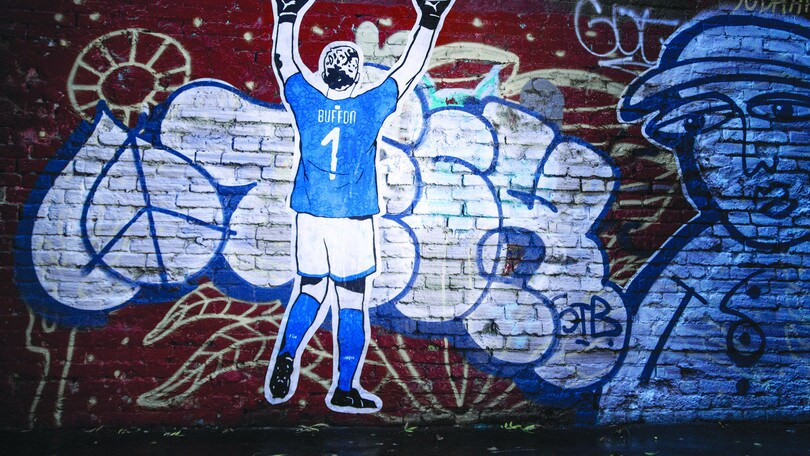 La prima volta di Buffon...in azzurro