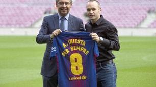 Iniesta «Per sempre»: è scritto sulla maglia del Barça