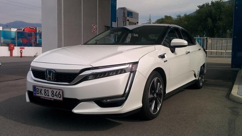 Honda Clarity Fuel Cell, il futuro proibito