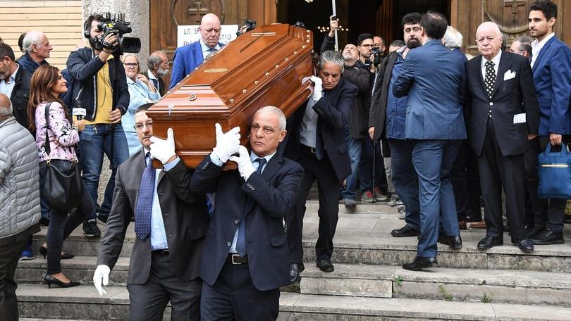 Biscardi, funerali a Larino. Folla in cattedrale
