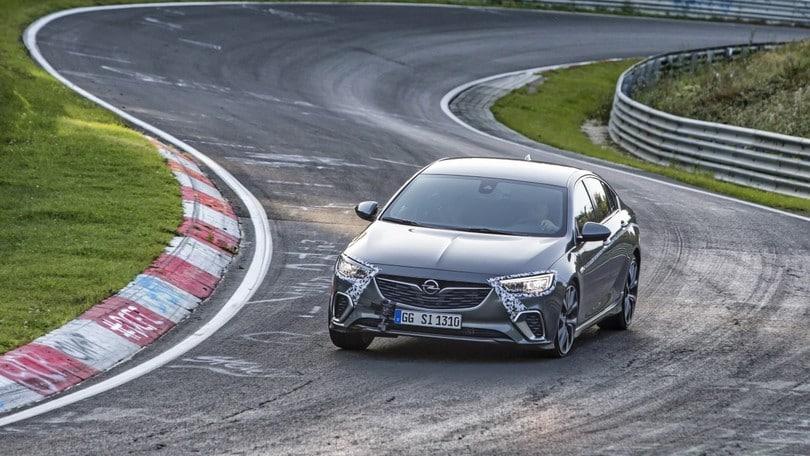 Opel Insignia GSi, al Nurburgring si sente a casa