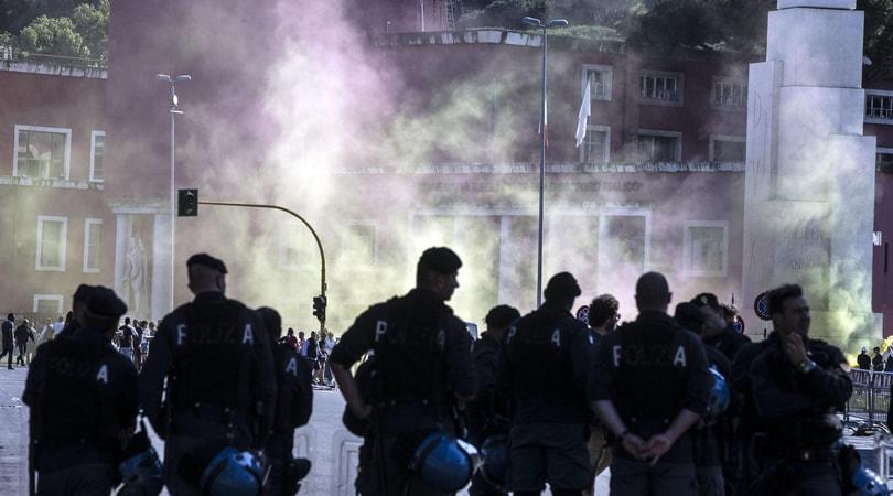 La Questura ai tifosi del Napoli: «A Roma non ostentare tifo»