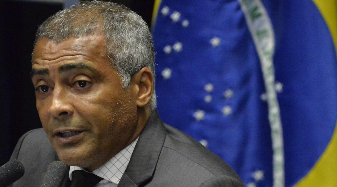 Romario, uno dei più grandi attaccanti della storia, diventato senatore nel suo Brasile