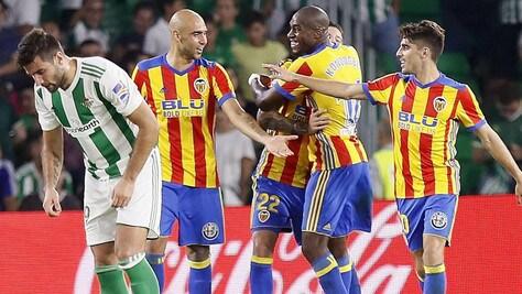 Liga: Zaza-Kondogbia gol, il Valencia ne fa sei al Betis ed è secondo