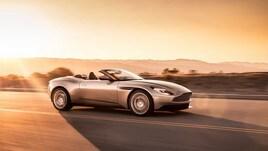 Aston Martin DB11 Volante, perde il tetto ma non la classe