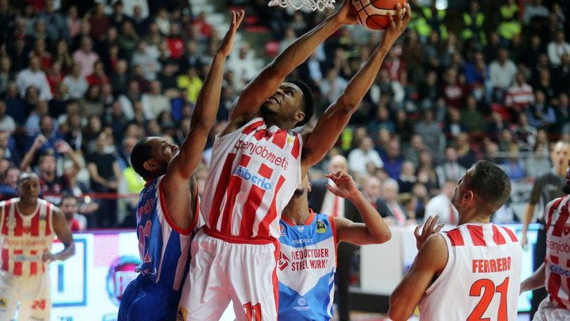 Okoye travolge Cantù, il derby è di Varese