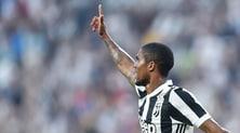 Juventus, Douglas Costa profeta:«Sapevo che Mario sarebbe andato lì...»