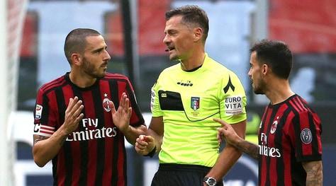 Serie A, Milan-Genoa 0-0: rosso a Bonucci, Montella traballa