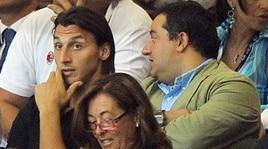 Raiola: «Ibrahimovic? Giocherà ancora 5-6 anni, ho bisogno di soldi»