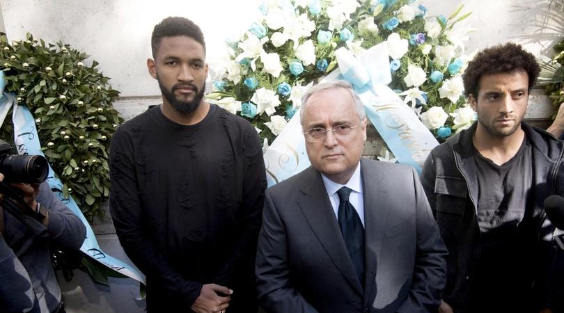 Lazio, Lotito in Sinagoga con Felipe Anderson e Wallace: «Noi contro ogni razzismo»