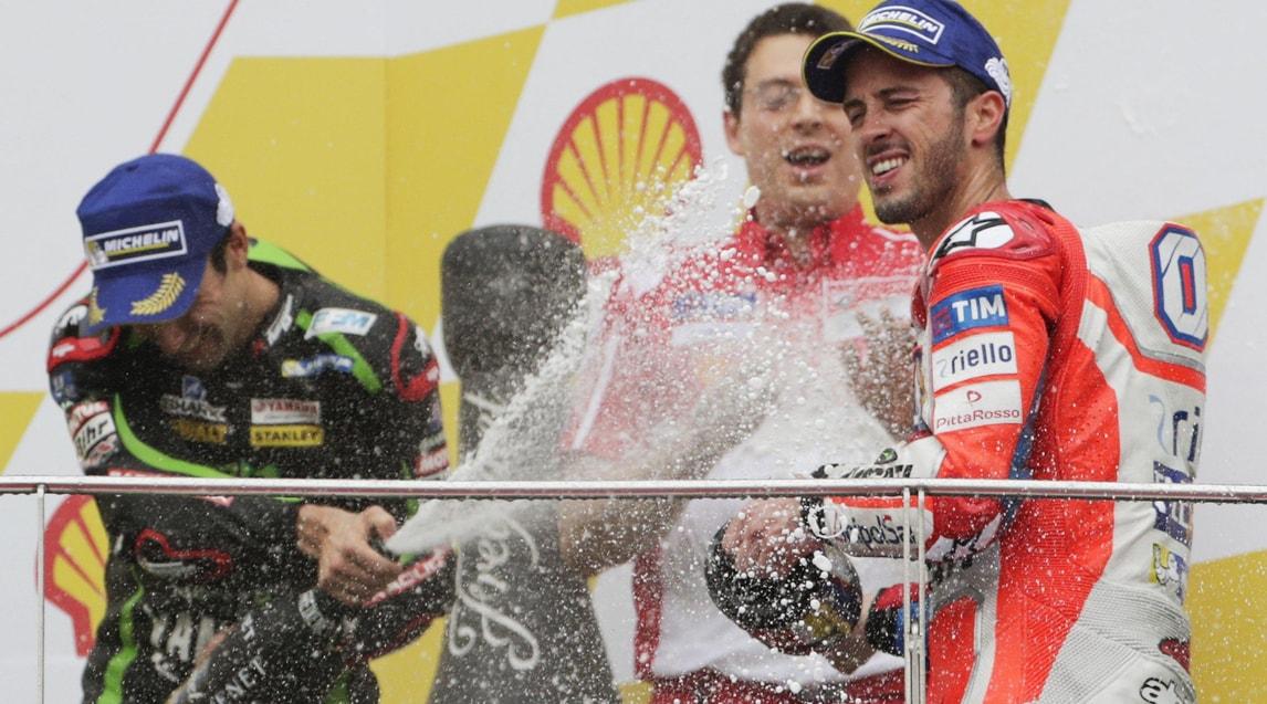 Il Mondiale si deciderà a Valencia il prossimo 12 novembre: il pilota della Honda è sempre in testa con 21 punti di distacco dall'italiano. Per aggiudicarsi il titolo, il pilota della Ducati dovrebbe vincere nell'ultimo circuito stagionale, sperando che lo spagnolo arrivi oltre il 12° posto