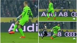 """Incredibile in Bundesliga: il portiere del Mainz e la palla """"invisibile"""""""